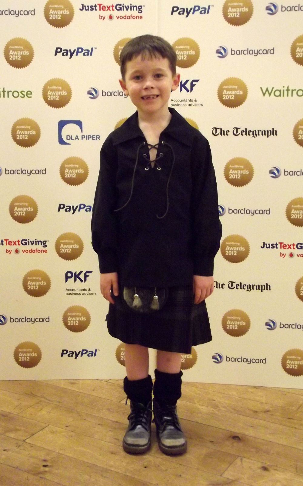 Jack rocking his casual kilt combo (and Doctor Who shoes) for the JustGiving Awards 2011 (in London)